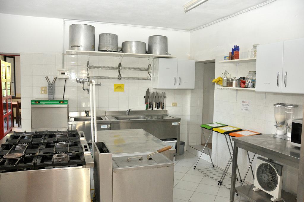Siccomonte casa di preghiera san giovanni battista for Disegni della cucina con a piedi in dispensa